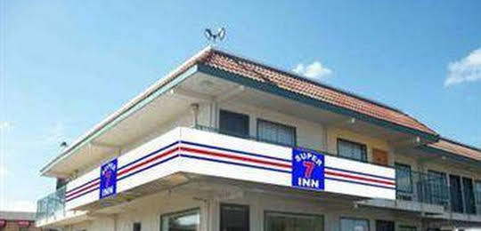 Super 7 Inn Dallas-Southwest