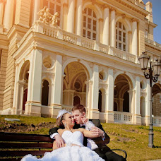 Wedding photographer Nina Ozerova (NinaOzerova). Photo of 28.03.2013