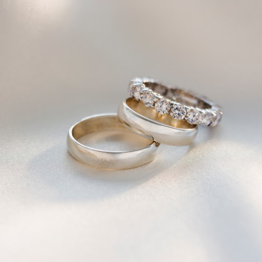 How to save thousands on wedding and engagement rings with clever Google tip