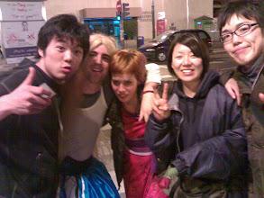 Photo: Seita, unos carnavaleros que recogimos por la calle, Ikumi y Masaki