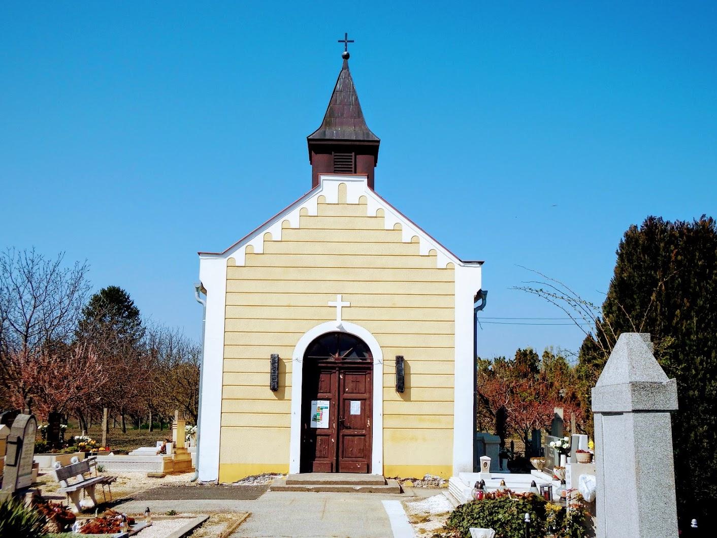 Győr - Szigeti temetőkápolna és temetőkereszt