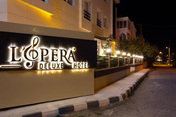 L'opera Deluxe Hotel