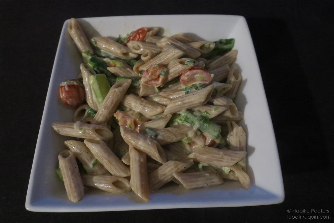 Pasta met asperges en kerstomaatjes in mascarponesaus (Le petit requin)