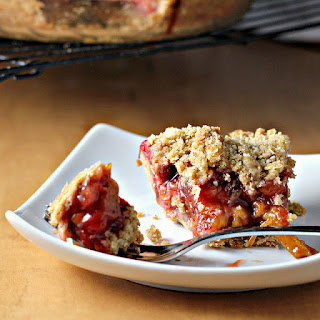 Deep-Dish Strawberry Rhubarb Pie with Crumb Topping Recipe