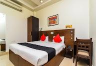Capital O 1245 Hotel Amby Inn photo 4