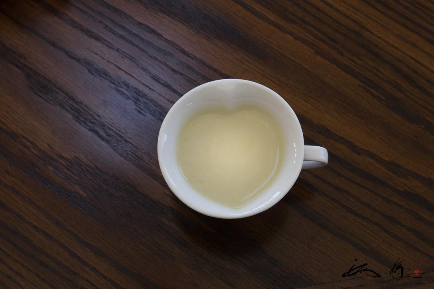 さつまいもスープは♡型のカップで!