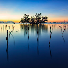 Chasing Light by Hiram Abanil - Landscapes Waterscapes ( sunrise )
