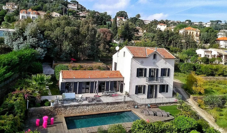 Villa avec piscine en bord de mer Le golfe juan