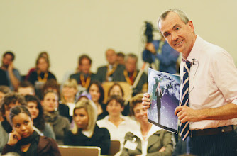 Photo: Botschafter Murphy spricht über Al Gore - http://german.germany.usembassy.gov/2009/10/05/humboldt-town-hall/