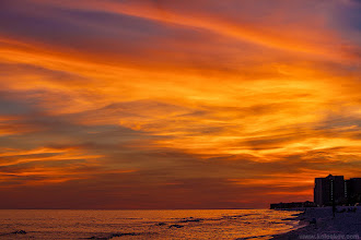 Photo: One more sunset at Destin beaches  It was our last night at Destin, and we had such an amazing evening. May be Destin wanted us to come back, showing all this beauty? :-) Enjoy it now through my camera... #sunsetphotography
