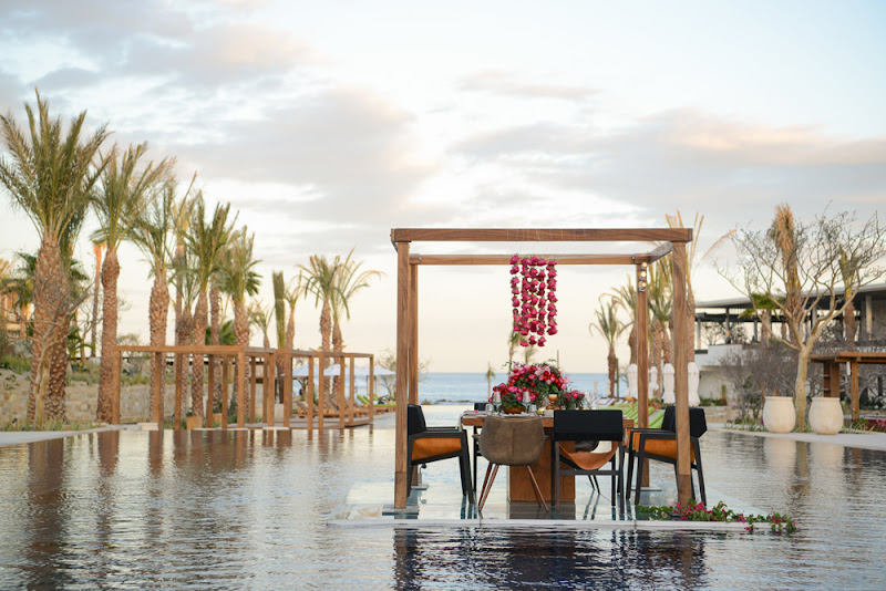 Enjoy the ultimate in al fresco dining at the Chileno Bay Resort & Residences.