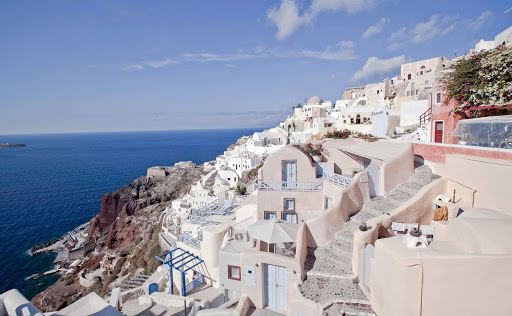 Oia-looking-north.jpg - A view of picturesque Oia on Santorini, Greece, looking northward.