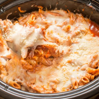 Slow Cooker Chicken Parmesan and Pasta.