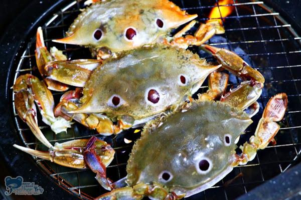 那兩蚵流水蝦夜景餐廳 泰國流水蝦鮮蚵蛤蜊吃到飽,生啤酒免費暢飲,附設兒童遊戲區加上台中美麗夕落與百萬夜景。
