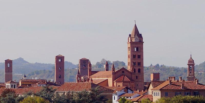 Alba, la capitale delle Langhe di Lobo77
