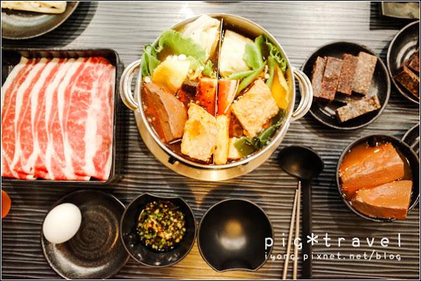 【高雄】五鮮級平價鍋物(左營店).平價料好又實在,自熬湯頭鮮甜喝的到