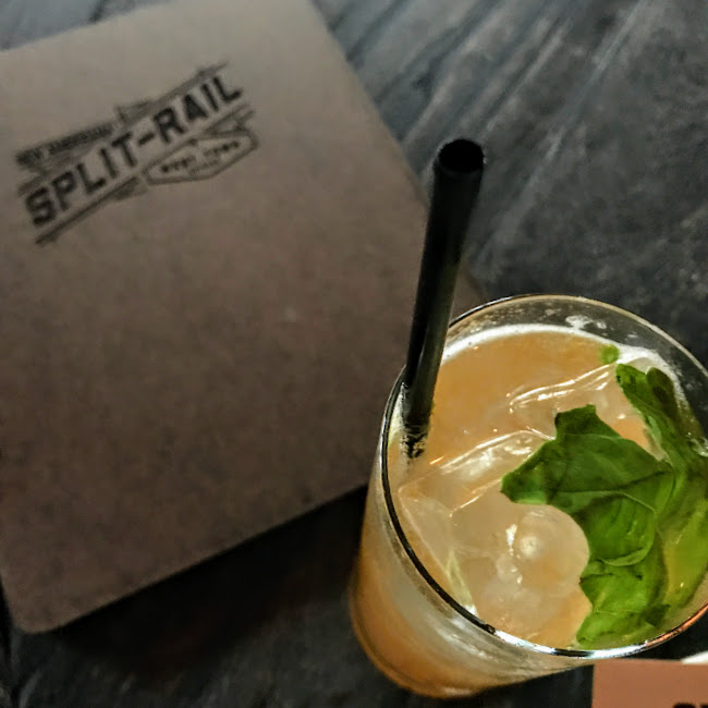 The Breakers cocktail, Split-Rail
