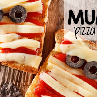 Easy Mummy Pizza Sandwich for Halloween Lunchboxes.