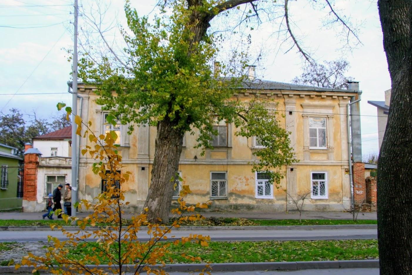 https://sites.google.com/site/istoriceskijtaganrog/frunze-ulica/dom-4