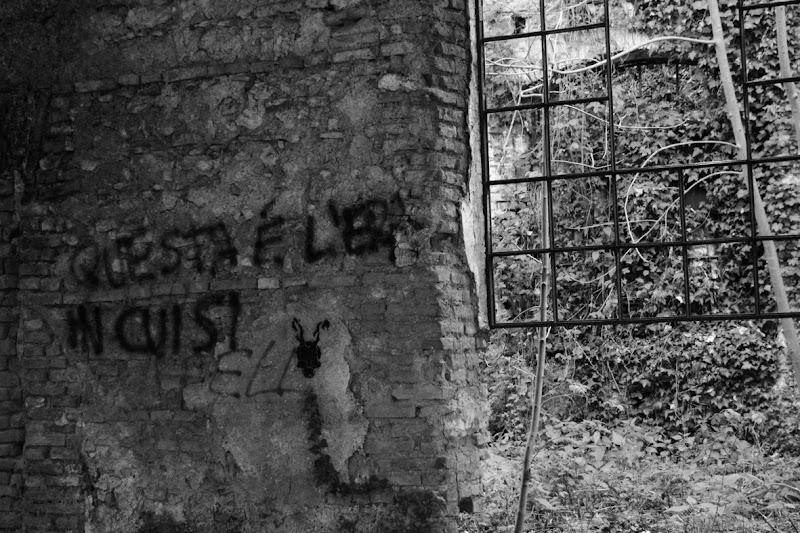muri abbandonati di aeglos