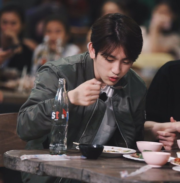 jinyoungboyfriend_8a