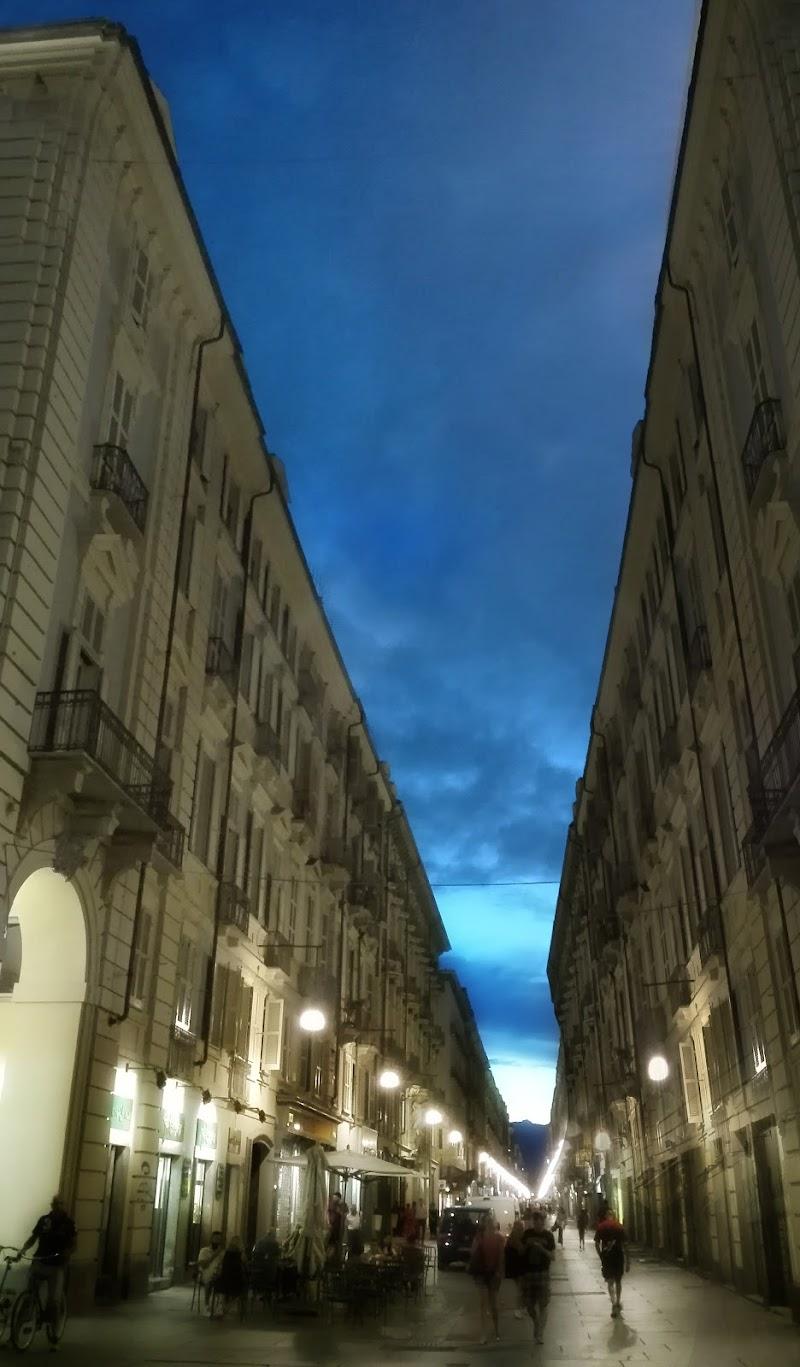 simmetrie di città di Gloria Creazzo