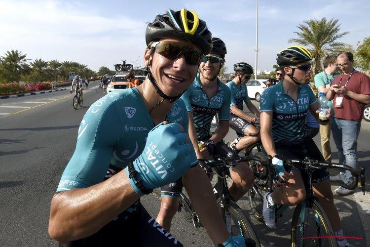 ? Bryan Coquard sprint Jasper De Buyst los uit het wiel in de Vierdaagse van Duinkerke