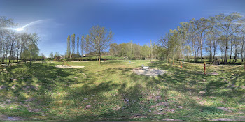 Parque infantil del paseo fluvial de Maceda