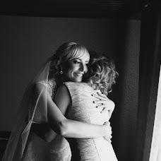 Wedding photographer Mikhail Sidorovich (mihas10). Photo of 15.07.2014