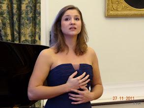Photo: Maria Fiselier: mezzo-sopraan Zij zong de drie Petrarcasonnetten (S270)  'Pace non trovo'; Benedetto sia 'l giorno' en 'I'vidi in terra angelici costumi'