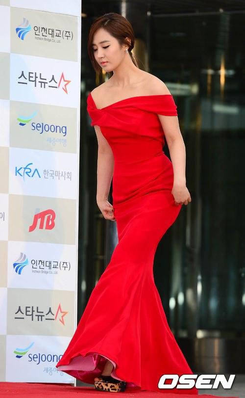 yuri gown 4
