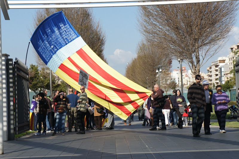 Photo: Contramanifestants del Circo Balear