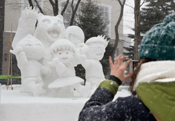 Coronavirus casi arruina el Festival de Nieve en Sapporo, Japón