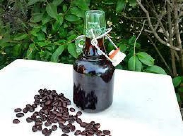 Stir sugar syrup and instant coffee until very smooth in a 2-4 cup measure.  Pour...