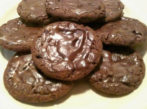 Creme De Menthe Cookies That Remind You Of The Girl Scout Thin Mints