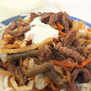 Beef Chow Mein With Sour Sauce.