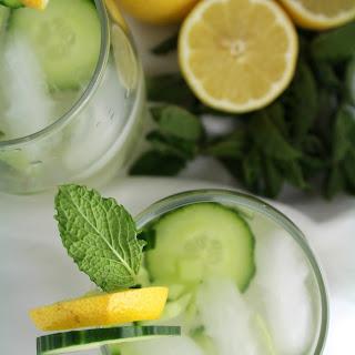 Cucumber Lemonade Vodka Cocktail.