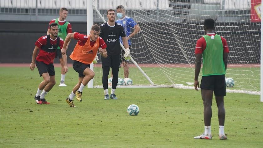 Nikola Maras y Fran Callejón en el entrenamiento de este sábado.