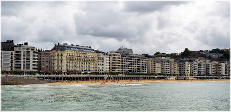 Photo: Playa de la Concha ( San Sebastian). http://www.viajesenfamilia.it