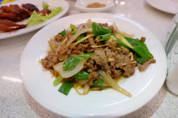 美味又好吃,家庭聚餐都會選這間,從南區吃到安平區(有搬家過) 因為口味跟菜色都不錯,想吃的時候還是會跑到安平來吃(≧∇≦)b