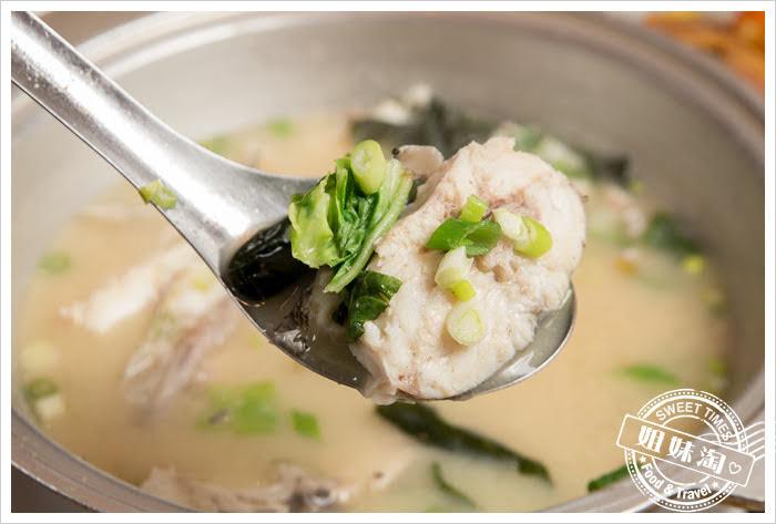 大手町日本料理無菜單料理炎光舅魚味噌湯