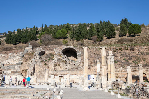 Entering-Ephesus.jpg - Ancient ruins near the entrance of Ephesus, a 40-minute bus ride from Kusadasi, Turkey.