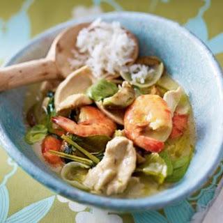 Grünes Hähnchen-Curry mit Garnelen