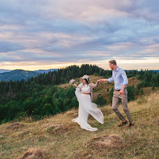 Wedding photographer Alena Kartushina (devochka). Photo of 24.10.2015