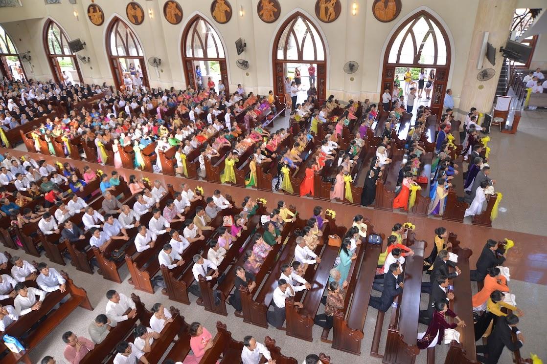 Thánh Lễ Truyền Chức Linh Mục Giáo Phận Phú Cường : Là Kitô Khác Chứ Không Phải Khác Kitô - Ảnh minh hoạ 11