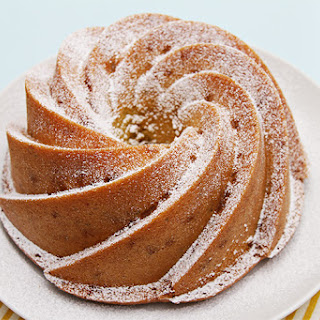 Meyer lemon Bundt cake with olive oil and thyme – served with a citrus compote