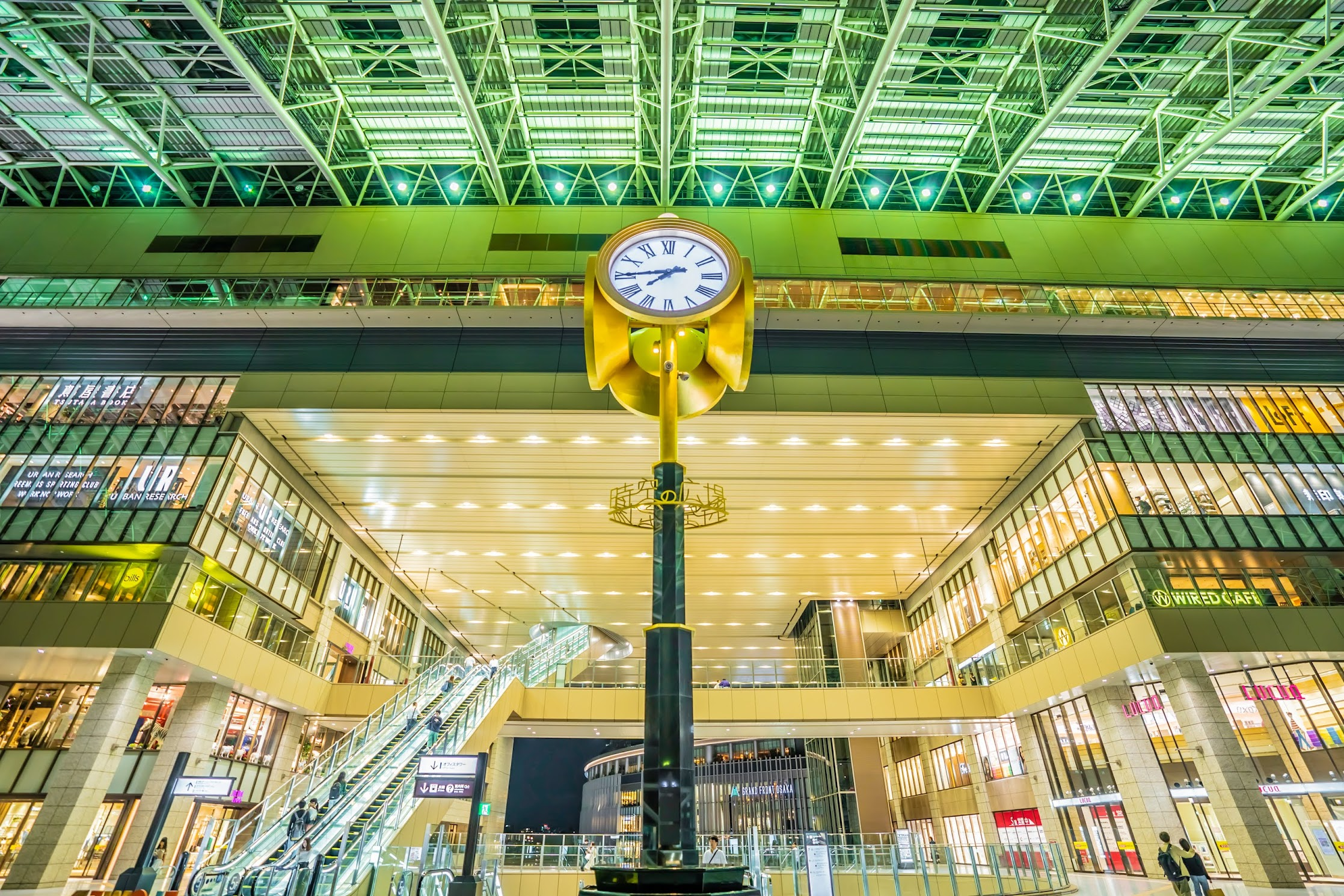 Osaka station Toki-no-hiroba Plaza4