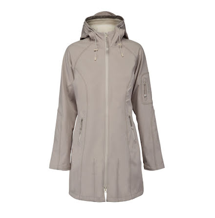 Ilse Jacobsen 3/4 length raincoat atmosphere