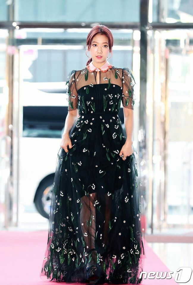 shinhye gown 8