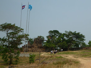 Photo: O chrám se doposud vede mezi Thajskem a Kambodžou spor, který dokonce v nedávné době (2008-2011) několikrát vyústil v ozbrojený konflikt.